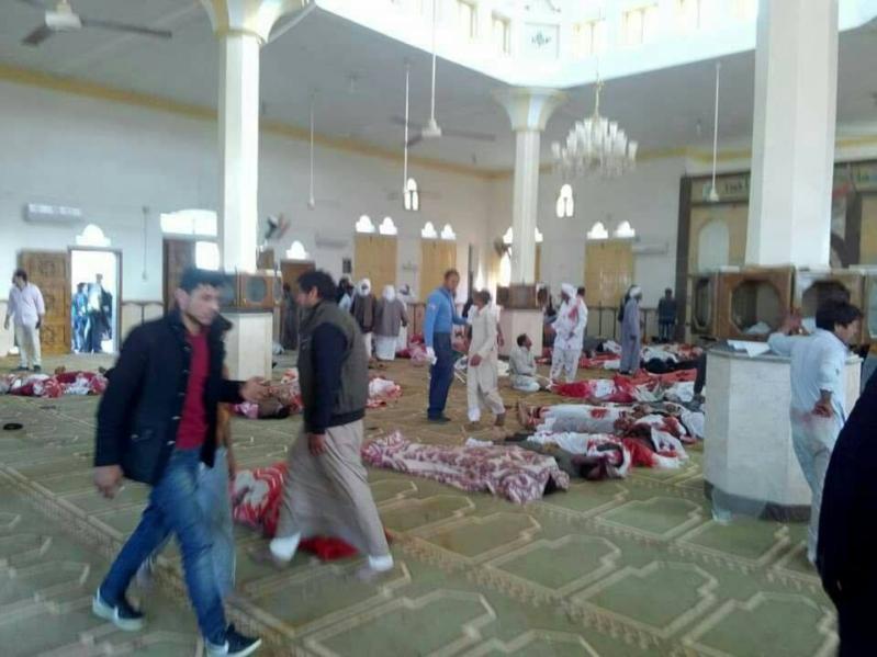 صور تفجير مسجد العريش في مصر اثناء صلاة الجمعة