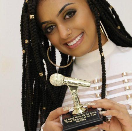 السيرة الذاتية  بسمة العتيبي ويكيبيديا , صور بسمة العتيبي ملكة مواهب الغناء