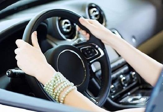 موعد البدء في تعليم قيادة السيارات للنساء , مدارس تعليم القيادة في السعودية