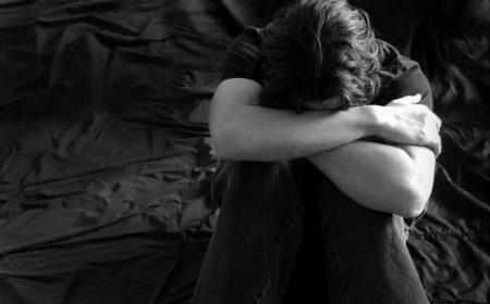 اجمل الصور الحزينة للرجال , صور تعبر عن حزن الرجال كتابية