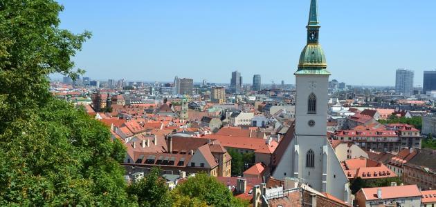 ما هي عاصمة سلوفاكيا معلومات عن تاريخها ولغتها ومناخها صورة لبراتيسلافا