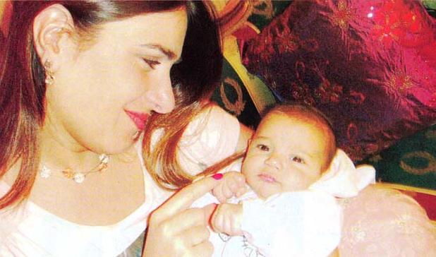 صور الفنانه ميرنا وليد مع بنتها وزوجها تنشر لاول مرة 2013
