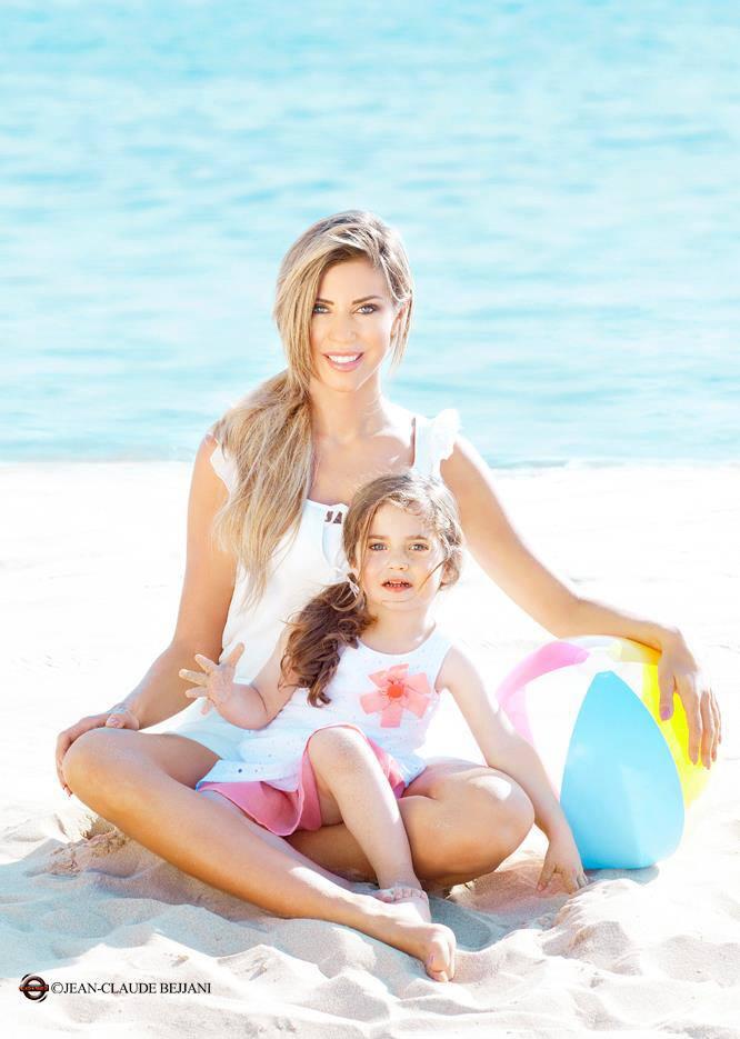 احدث بوسترات كارلا حداد مع ابنتها لشهر يونيو 2013