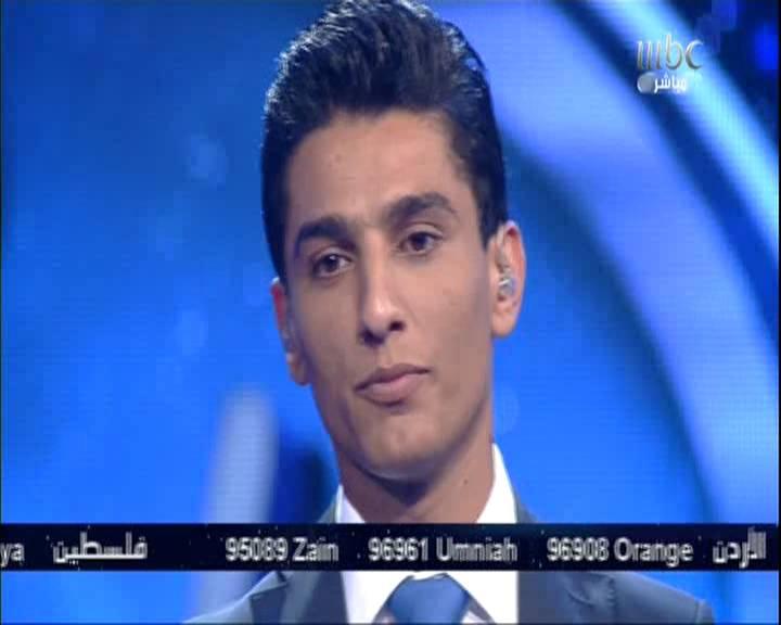 صور بكاء محمد عساف بعد تلقي رسالة من احد الاسراء في سجون الاسرائيلية ببرنامج Arab Idol 2