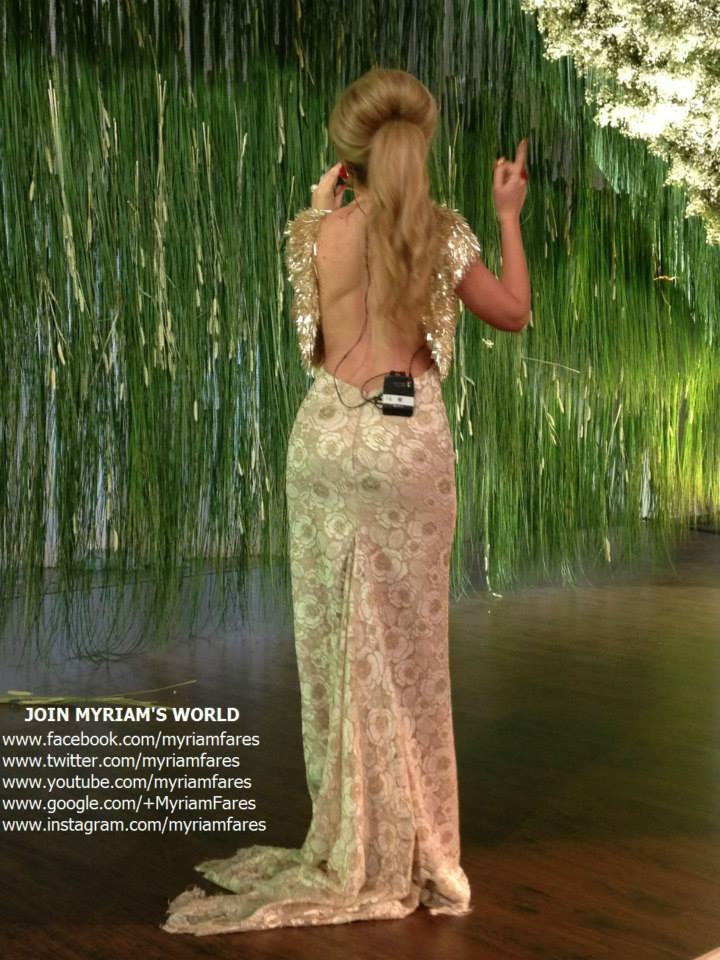 احدث واجمل صور ميريام فارس بأحد حفلاتها مثيرة بفستان يكشف ظهرها وصدرها 2013