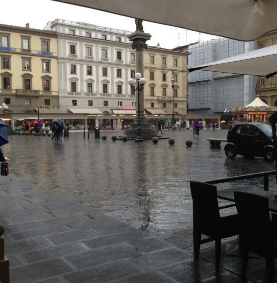 صور اليسا تستجم في ايطاليا بفستان مثير بعد برنامج اكس فاكتور 2013
