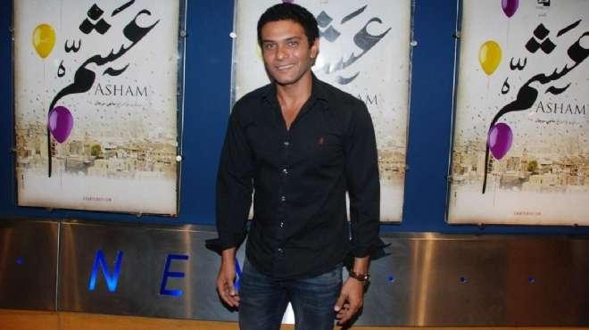 صور نجوم السينما المصرية لبلبة وأروى جودة وآسر ياسين في العرض الخاص لفيلم عشم