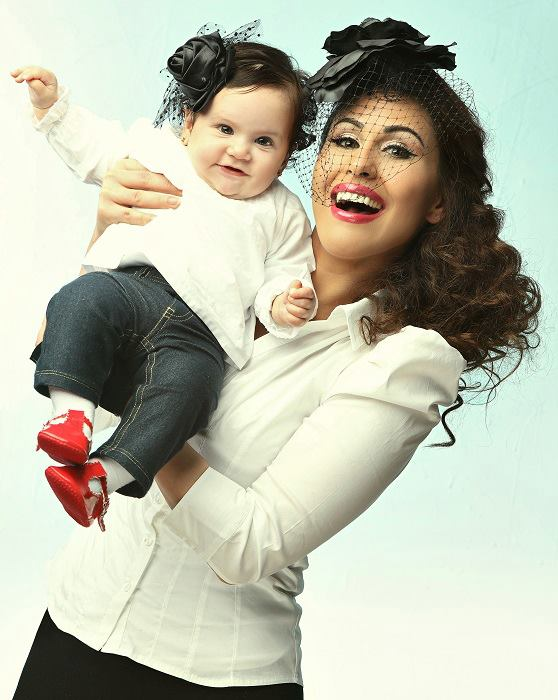 احدث بوسترات الفنانة مى سليم مع ابنتها لشهر يونيو 2013