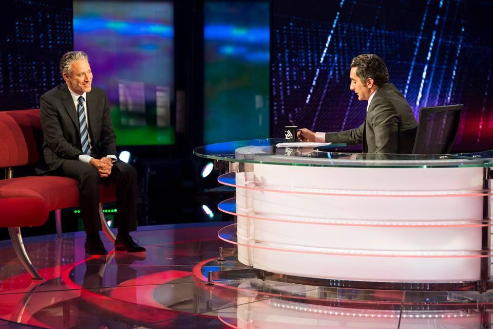 صور الاعلامى باسم يوسف مع جون ستيوارت فى برنامج البرنامج 2013