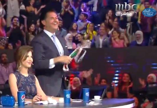 بالصور راغب علامة يرفع الكوفية على انغام اغنية علي الكوفية محمد عساف برنامج Arab Idol 2