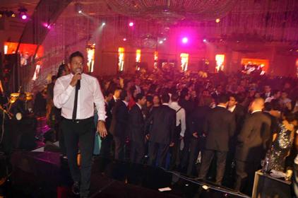 صور عمرو دياب ومحمد حماقى فى حفل زفاف فى فندق ماريوت ريتاج 2013