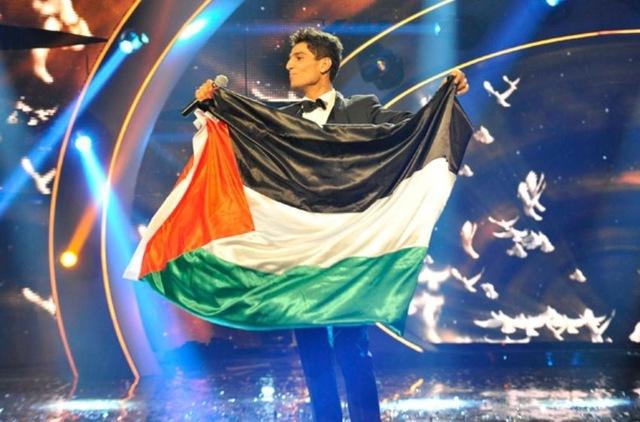 صور جديدة من تتويج محمد عساف Arab Idol 2