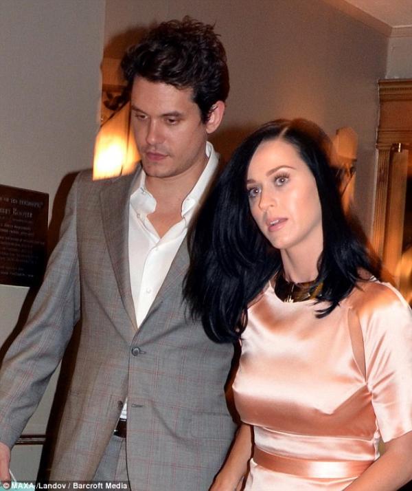 صور النجمة كاتي بيري إجتمعت بحبيبها في The Waldorf Astoria 2013