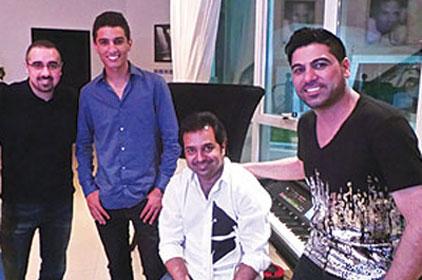 بالصور راشد الماجد يستقبال نجم Arab Idol 2 محمد عساف فى بيتة 2013