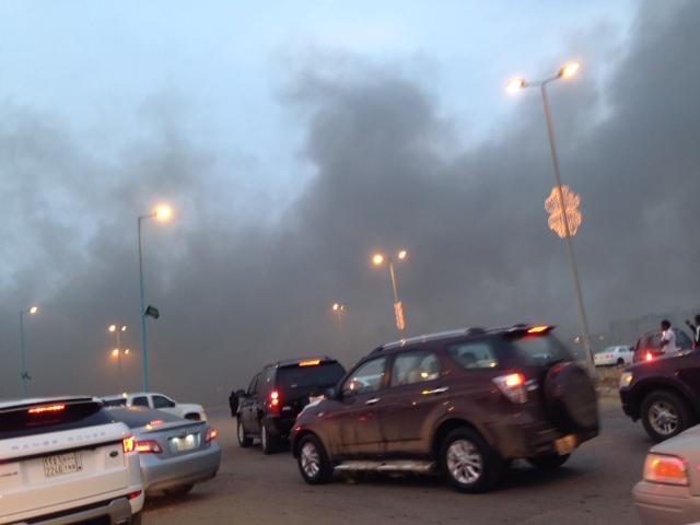 صور حريق كادي مول في جازان اليوم الجمعة 4-10-2013 , صور حريق كادي مول التجاري 1434