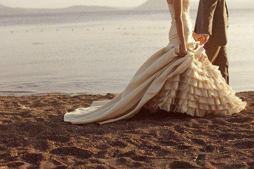 صور عريس وعروسة في حالة حب رومانسية