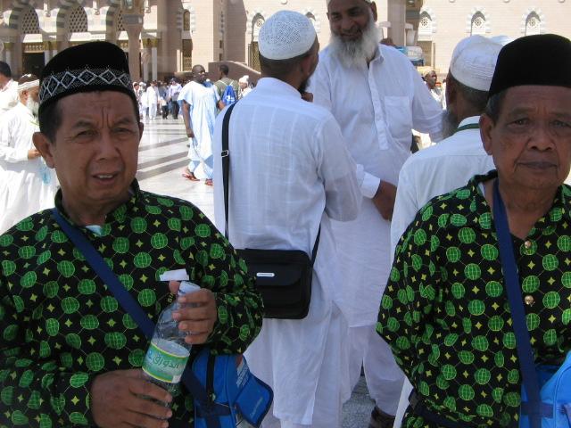 صور وقفة عرفات 14-10-2013 , صور الحجاج على جبل عرفات 14/10/2013