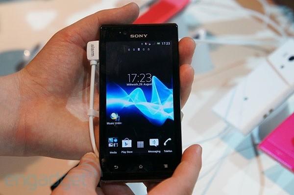 مواصفات جهاز Sony Xperia J احد روائع شركة سوني 2014