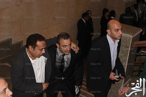بالصور نجوم يلفتون الأنظار فى عزاء والد أحمد عز بالملابس والنظارات السوداء 2013