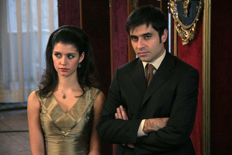 صور ياسمين واحمد في المسلسل التركي ياسمين 2014 , صور رومانسية ياسمين واحمد في مسلسل ياسمين التركي