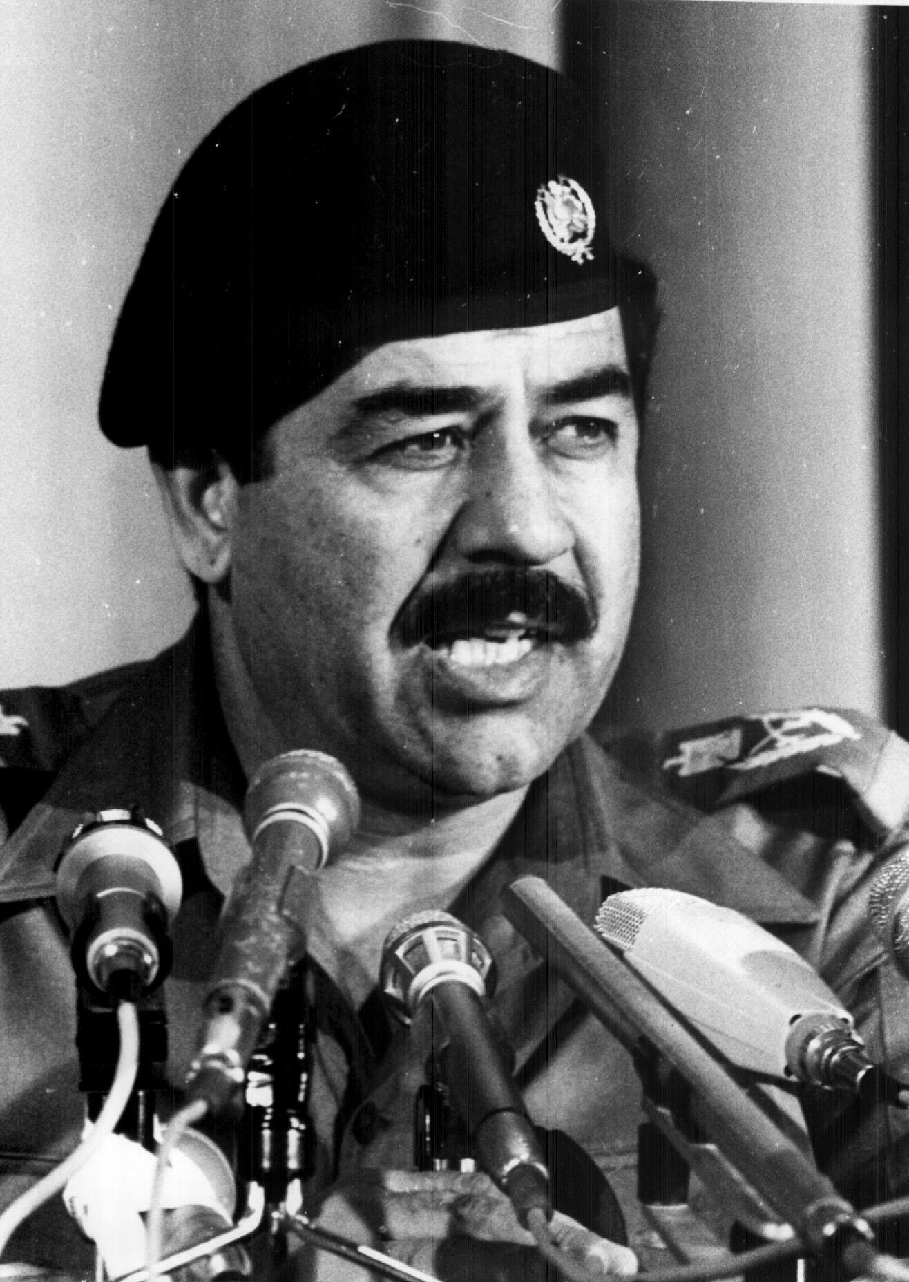 صور صدام حسين , صور الرئيس العراقي صدام حسين