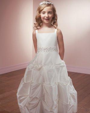صور فساتين زفاف اطفال 2014 , صور أطفال عرايس روعة 2014