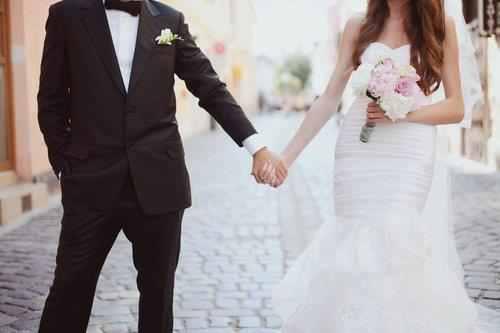 50f5fbf72666a صور زفاف رومانسي