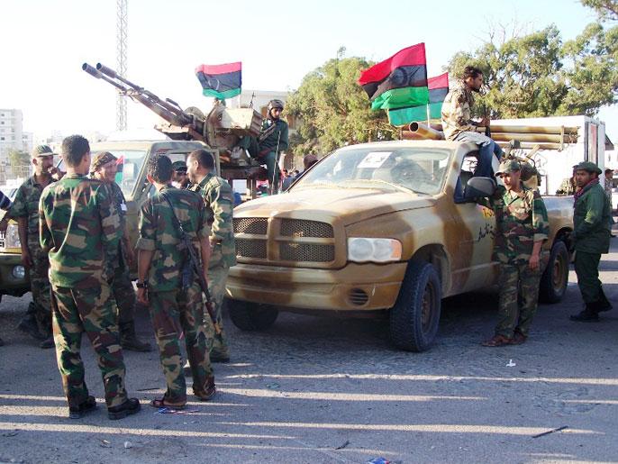 اخبار ليبيا اليوم الثلاثاء , الثوار يمهلون المؤتمر الوطني العام 10 أيام لإسقاط الحكومة 3-12-2013