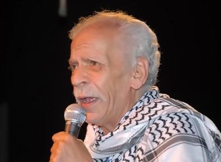 وفاة الشاعر المصري أحمد فؤاد نجم الثلاثاء 3-12-2013