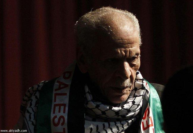 تفاصيل وفاة الشاعر المصري أحمد نجم اليوم الثلاثاء 3-12-2013