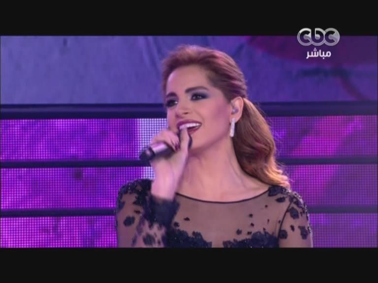 صور امال ماهر في الاطلالة الثالثة - اغنية م السنة للسنة - ستار اكاديمي 9 اليوم الخميس 5-12-2013