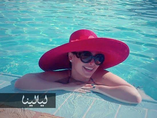 صور الفنانة الاردنية ديانا كرزون في حمام السباحة 2014