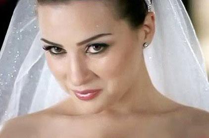 صور فستان فرح الفنانة مي عزالدين 2014 , صور فستان عرس الفنان مي عزالدين 2014