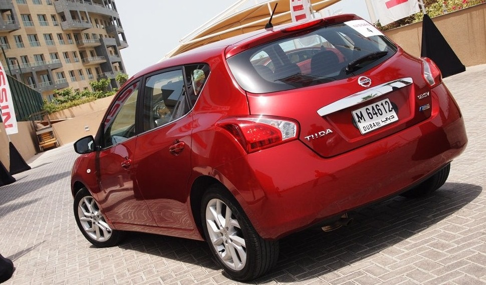 مواصفات واسعار نيسان تيدا 2014 Nissan Tiida