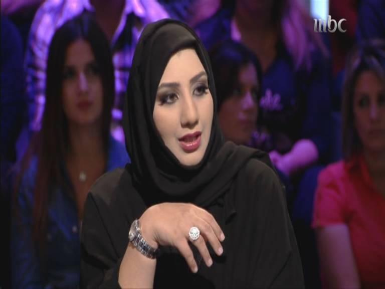 صور الكاتبة السعودية سارة العليوي في برنامج نورت مع اروي 2014