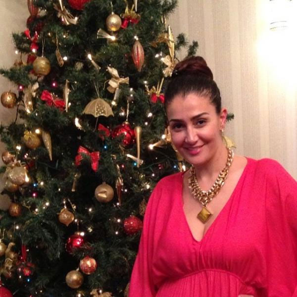 صور غادة عبدالرازق استعداد لعيد الكريسماس 2014