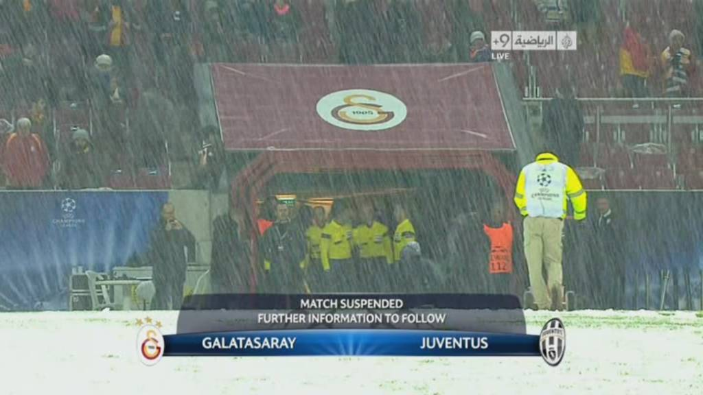 إيقاف مباراة جلطة سراي ويوفنتوس في دوري ابطال 10-12-2013 بسبب تساقط الثلثوج