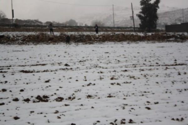 صور تساقط الثلوج في فلسطين 2014 , صور نزول الثلج في فلسطين 2014