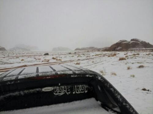 صور الثلج في تبوك 2014 , صور تساقط الثلوج في تبوك 1435
