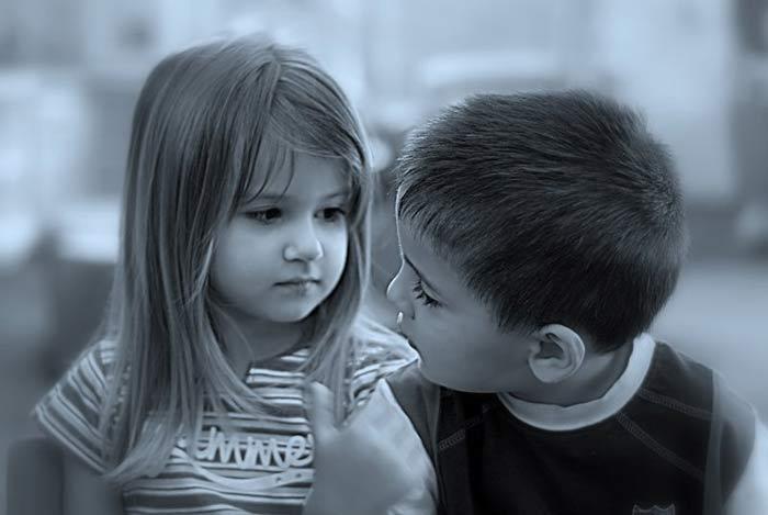 صور اطفال حزينة في حالات حزن تقطع القلب