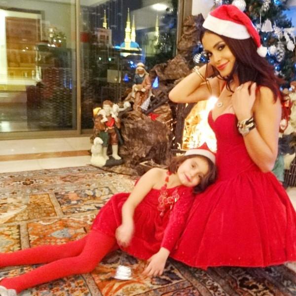 صور دومنيك حوراني بملابس بابا نويل