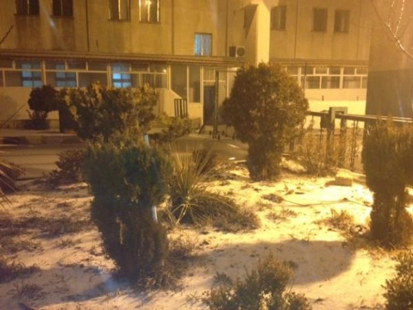 تساقط الثلوج في الاردن اليوم الثلاثاء 31-12-2013 , صور تساقط الثلوج علي محافظة الطفيلة جنوب الاردن