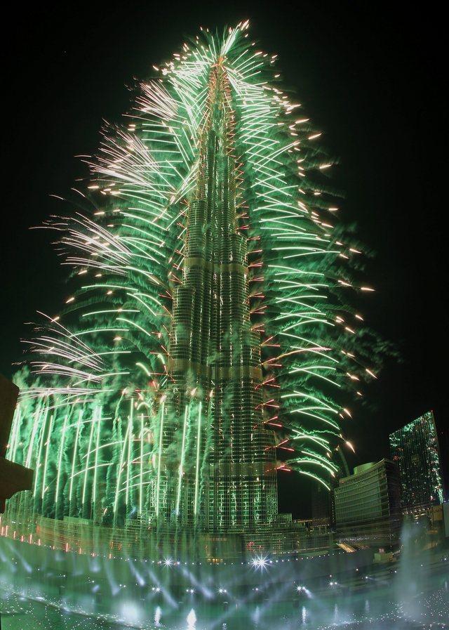 يوتيوب احتفالات راس السنة في برج خليفة بدبي 2015