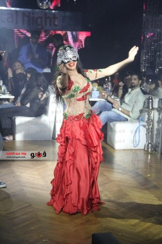 حفلة الراقصة صافيناز و صوفيا 2014 , صور رقص صافيناز و صوفيا في حفلات راس السنة 2014