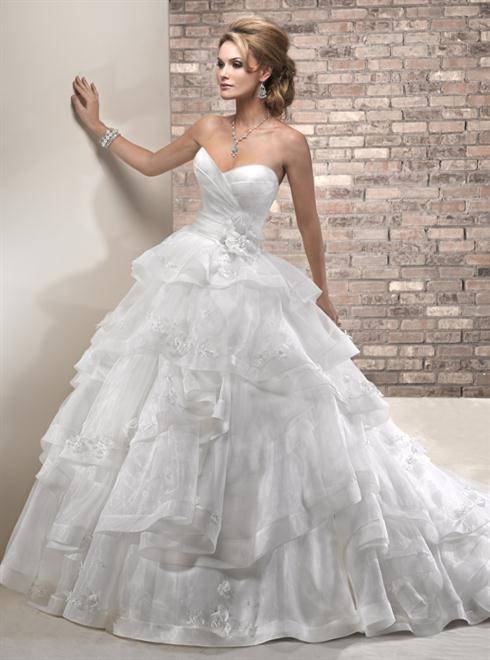 فساتين زفاف رخيصة و علي الموضة 2016