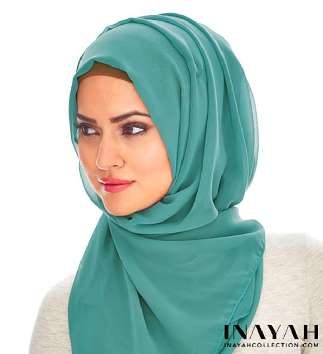الحجاب يعطي لمسة جمالية للملابس صور لفات الطرح التركية لشتاء