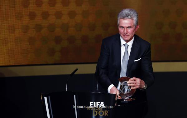 رونالدو ينتزع العرش من ميسي ويتوج رسميا بالكرة الذهبية كأفضل لاعب في العالم لعام 2013
