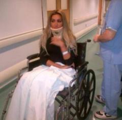 صورة مايا دياب في المستشفى 2014