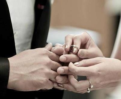 زفاف عريس على عروستين في ليلة واحدة بالطائف