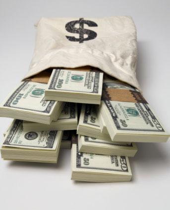 اسعار الدولار في محلات الصرافة والبنوك في مصر اليوم الخميس 23-1-2014